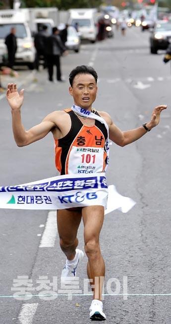 이봉주 '노장투혼'