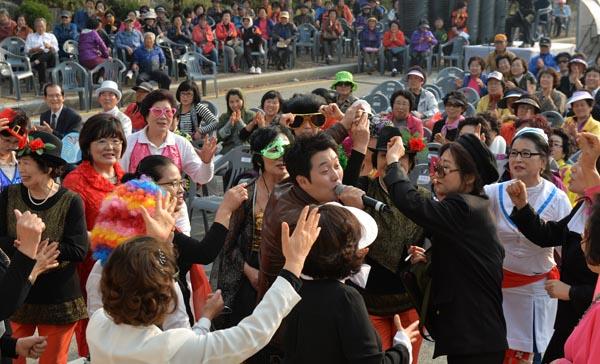 20151016-대전-아줌마대축제_첫_날01.jpg