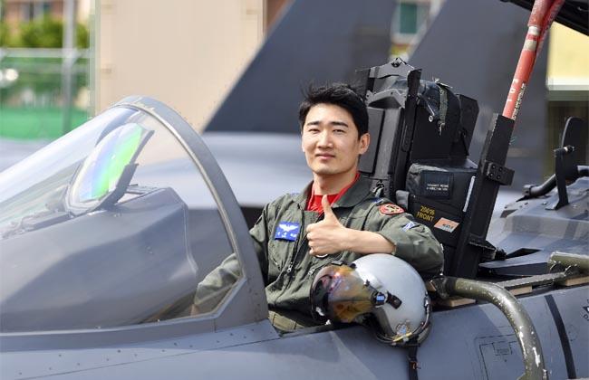 헤드5-공군장교.jpg