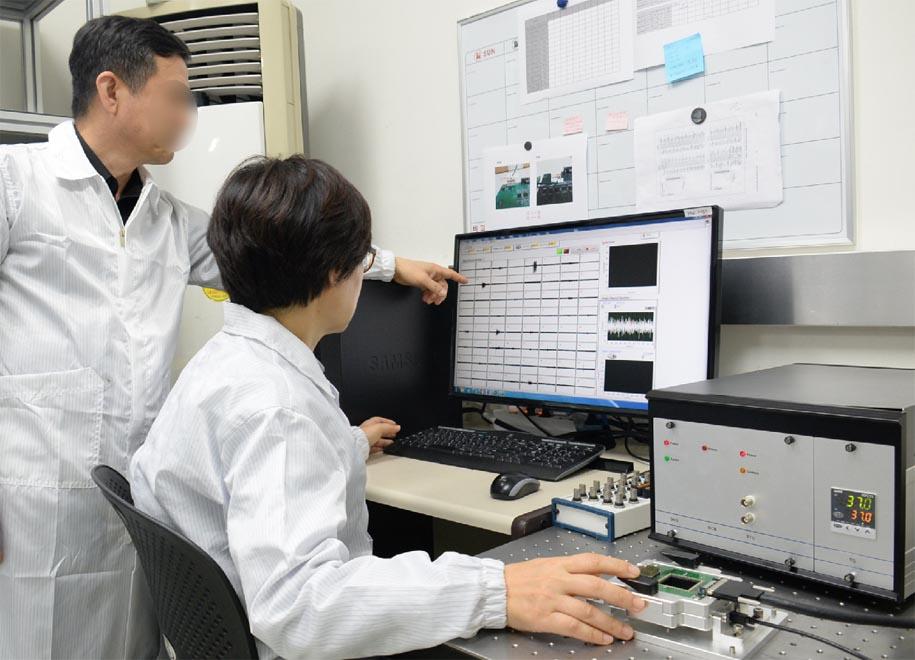 슬라이드뉴스1-연구실.jpg