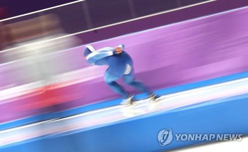 ▲ (강릉=연합뉴스) 김동민 기자 = 13일 강릉 스피드스케이팅경기장에서 열린 2018 평창동계올림픽 스피드스케이팅 남자 1,500m 경기에서 1분44초93의 기록으로 동메달을 딴 김민석이 힘찬 레이스를 펼치고 있다. 2018.2.13      image@yna.co.kr