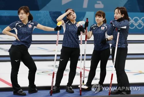 ▲ 왼쪽부터 요시다 지나미, 요시다 유리카, 스즈키 유미, 후지사와 사츠키