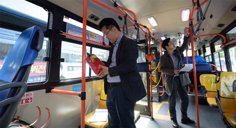 6면-시내버스안전점검3.jpg