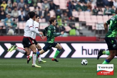 ▲ 3월 18일 전북과 서울의 경기 모습[한국프로축구연맹 제공 자료사진]