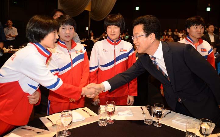 역대 세 번째 남북탁구 단일팀…대전서 함께 뛴다