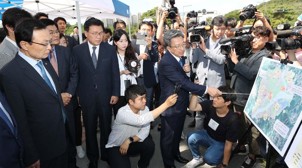 슬라이드뉴스2-민주당.jpg