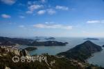 푸른바다 내려앉은 새들 마냥... 오밀조밀 모여있는 섬안의 섬... 잔잔한 물결 내마음 출렁이네