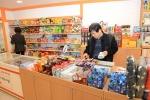 [르포]어린이보호구역내 중국·동남아산 저가식품 여전히 판친다