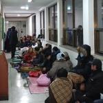 [현장르포] 2000만원 전기차 지원에, 시민들 밤샘 대기