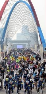 '두바퀴로 힐링'… 1만여 시민들 축제 즐겼다