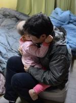 뇌종양 앓는 어린 막내딸… 학교 생활도 고난의 연속