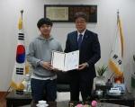 목원대, 장애인의 날 공로 김만섭 대학원생 장관표창 전달
