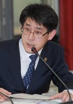 유럽 해외연수 김학철 충북도의원 막말 파문