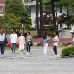 문재인정부 압박에 전형료 인하…대학 운영 첩첩산중