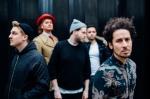 춤·웃음·박수 넘쳤던 영국 밴드 '마마스건' 내한공연