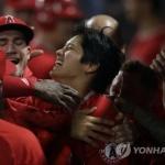 '이도류' 오타니 쇼헤이, 메이저리그 데뷔 첫 홈런·안타 맹활약