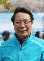 """한현택 동구청장 """"벚꽃터널 속 레이스 전국대회 성장"""""""