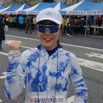 """하프코스 여자 1위 이지윤 """"첫 참가, 벚꽃향에 취했죠"""""""