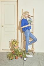 솔라, 일본곡 리메이크 '눈물이 주룩주룩' 발표