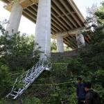 당진~대전 고속도로 교량 공사장 철제난간 무너져 4명 추락사