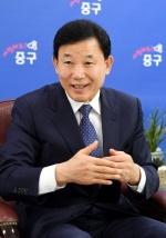"""박용갑 대전 중구청장 """"구민회관 건립·제2뿌리공원 조성 탄력"""""""