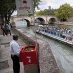 파리의 '보도 소변기', 민망한가 유용한가