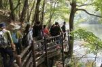 충북 화창한 주말…유명산·유원지 나들이 인파