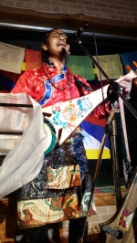 티베트 가수가 부르는 평화의 노래