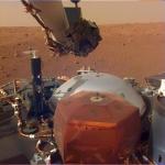인사이트호 2m 로봇팔 가동…화성 착륙지 앞마당 사진 전송