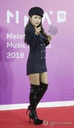 홍진영, 트로트 아닌 발라드로 변신…'사랑은 다 이러니'
