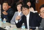 """최저임금委 첫 회의부터 노사 격돌…경영계 """"위원장 사퇴하라""""(종합)"""