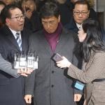 안희정, 항소심(2심)서 징역 3년 6개월 법정 구속