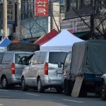 신탄진 5일장 불법 주·정차 아수라장…버스 승·하차도 아슬아슬