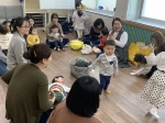 아이와 책 읽으며 교감 '쑥쑥'… 부여도서관 북스타트 강좌