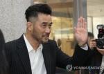 """최민수 '보복운전' 첫 재판서 혐의 부인…""""절대 사실과 달라"""""""